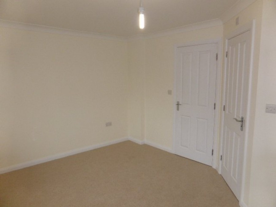 Images for Brookhill Road, Copthorne EAID:d1b8c72b86c64cfe087d7609fbf13d8d BID:1